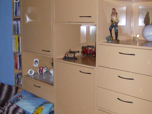 Slaapkamer kastenwand met lades